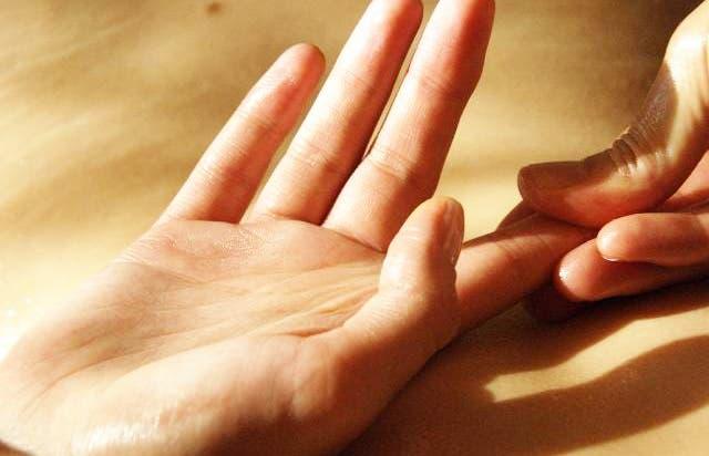 Masajeá tu dedo índice y verás lo que pasa con tu cuerpo