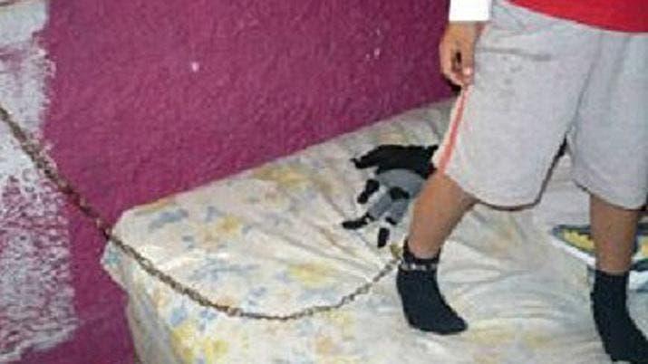 Santiago del Estero: dos niños con desnutrición eran encadenados por sus padres