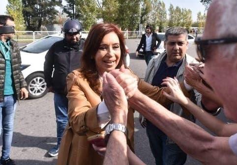 La foto de Cristina Kirchner viajando en primera clase — De gira