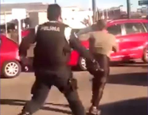 Policía roció con gas pimienta y dio latigazos a una mujer exhibicionista