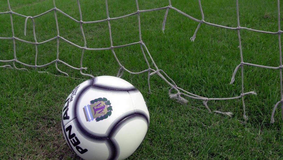 Fox y Turner blindan los goles de la Superliga