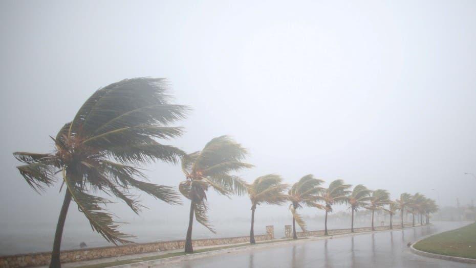 Cubanos preparados para el paso de Irma por la isla