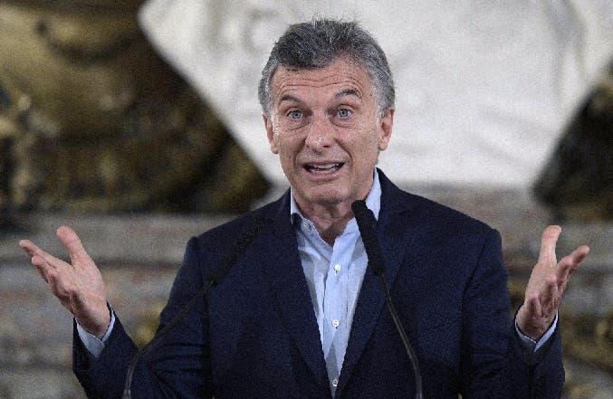 Expeditiva, la Justicia sobreseyó a Macri ya su amigo Caputo — Enriquecimiento ilícito