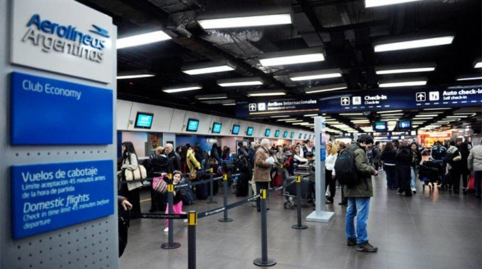 Aerolíneas Argentinas volvió a cancelar vuelos y culpó a los pilotos