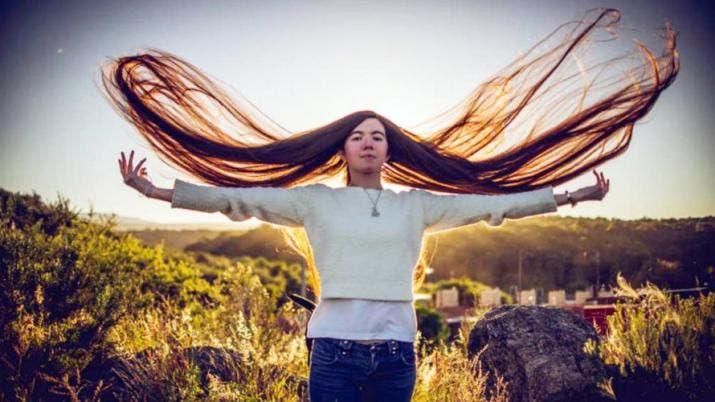 Una cordobesa tiene el récord Guinness del pelo más largo