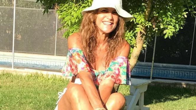 María Fernanda Callejón, a los 51, se fotografió en bikini
