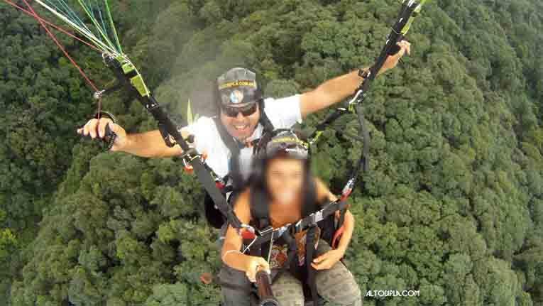 El instructor de parapente que llevaba a Natalia Vargas no tenía habilitación