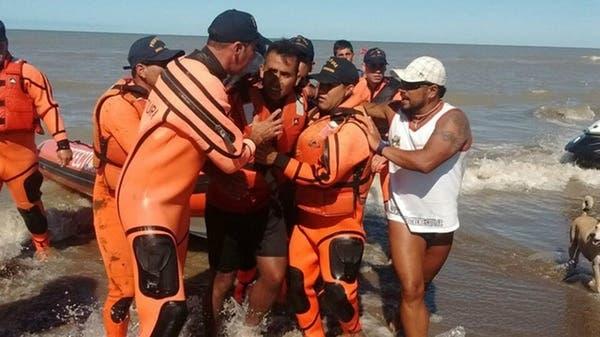 Rescatan a un hombre que naufragó dos días en un kayak