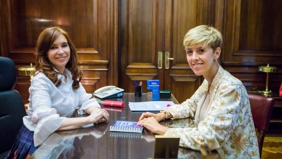 Cristina le sacó una senadora a Pichetto
