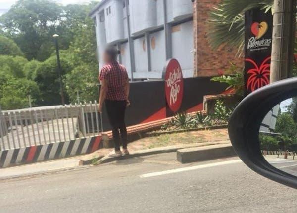 Una mujer fue a esperar a su marido a la puerta de un motel y esto fue lo que pasó - Lo + Viral