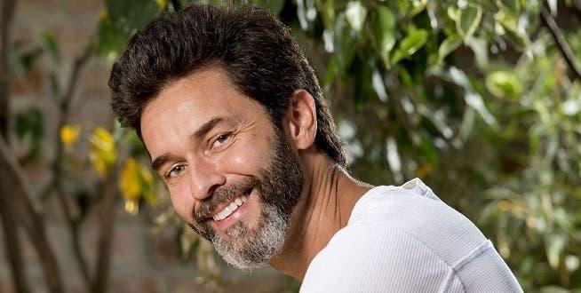 Mariano Martínez reveló que una actriz lo dejó sordo a los golpes