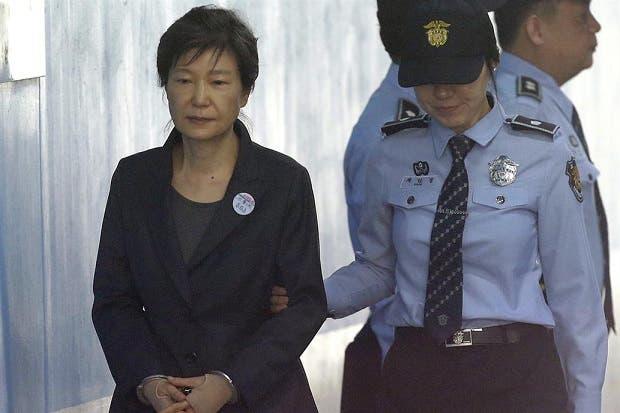 Aumentan sentencia a expresidenta surcoreana; pasará 25 años en prisión
