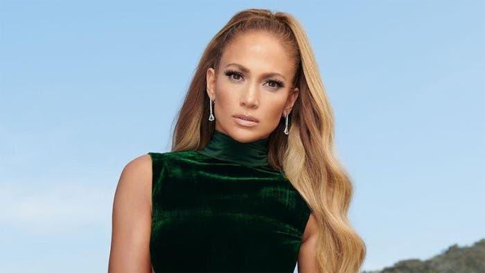 Jennifer Lopez sorprende con una foto sin maquillaje