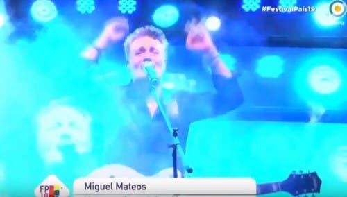 Miguel Mateos insultó a Mauricio Macri en un concierto