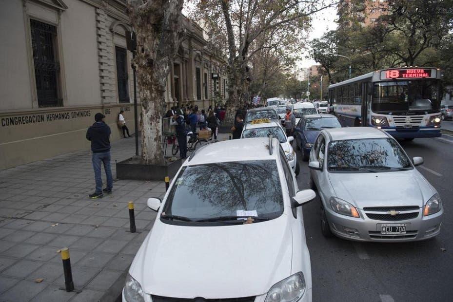 Resultado de imagen para estacionamiento escuelas tucumàn