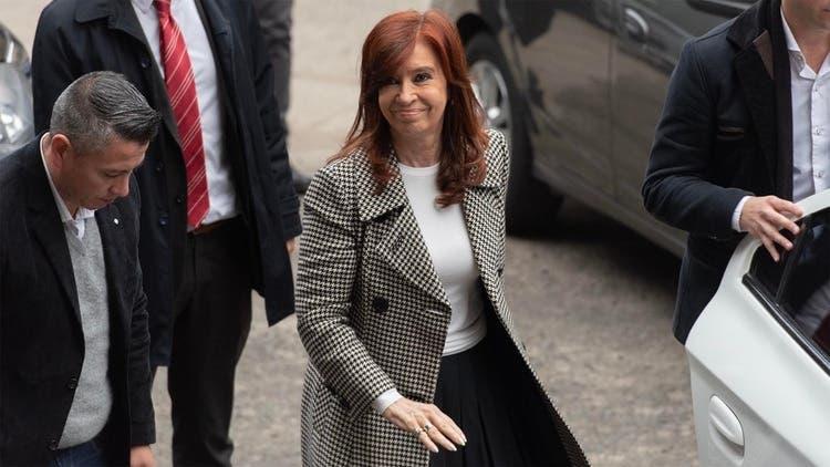 El Gobierno estableció que Cristina solo podrá cobrar una pensión