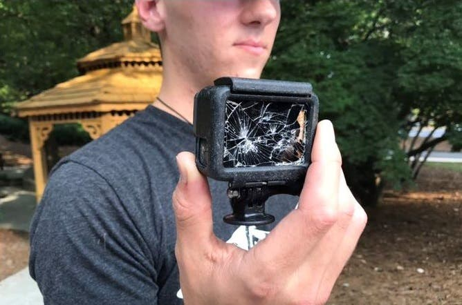 Encontró 'youtuber' cámara con último video de hombre ahogado