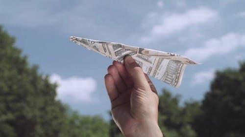 El dólar cerró a $60,58, subió cinco centavos