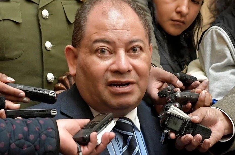 Carlos Romero se refugia en la Embajada de Argentina, informa Clarín