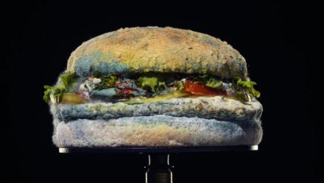 Burger King eliminará conservadores en su famosa hamburguesa Whopper