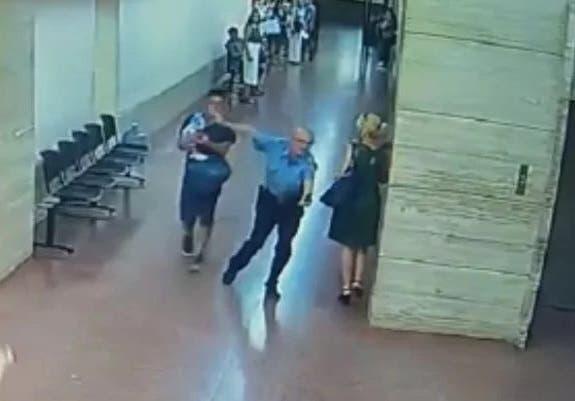 Impactante video: un bebé se broncoaspiró en Tribunales y los salvaron con técnicas de RCP