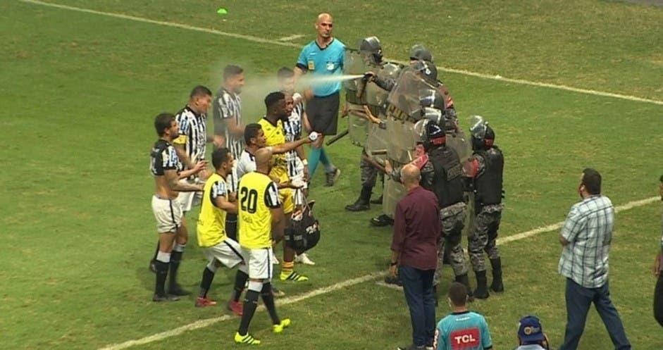 La Policía brasileña atacó a los futbolistas con gas pimienta