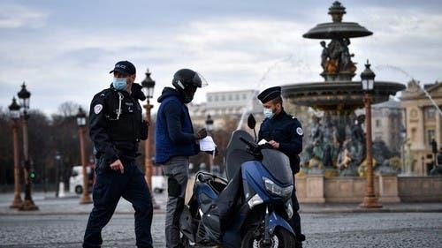 Francia decreta toque de queda para todo el país