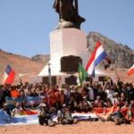 Cruzar los Andes a pie: el telón de fondo de una hazaña de 120 jóvenes de todo el mundo