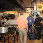 Clausuran la parrilla LOS NEGROS en Barrio Norte: había alimentos junto a la basura y otras múltiples infracciones