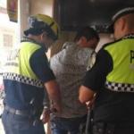 Video: corajudas empleadas de estación de servicio reducen a ladrón