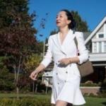 La vicepresidenta de Huawei se pasea con ropa de lujo, joyas muy caras y la pulsera judicial
