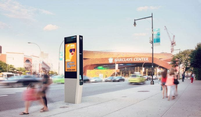 [Noticia] Nueva York reemplaza teléfonos públicos con postes Wi Fi 83160_postes