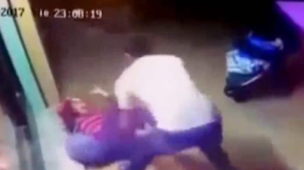 subió a Facebook un video terrible golpiza que le dio