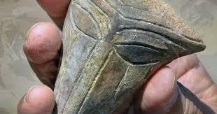 Descubren una antigua máscara con rasgos extraterrestres